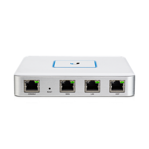 Ubiquiti USG Router centre